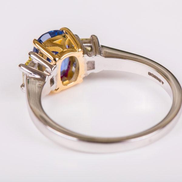 Ceylon sapphire and yellow diamond ring